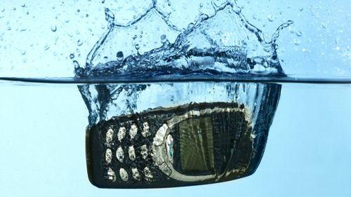 如何拯救落水的数码产品