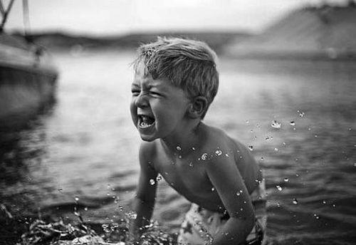你不让孩子吃苦,这个世界会让他很苦