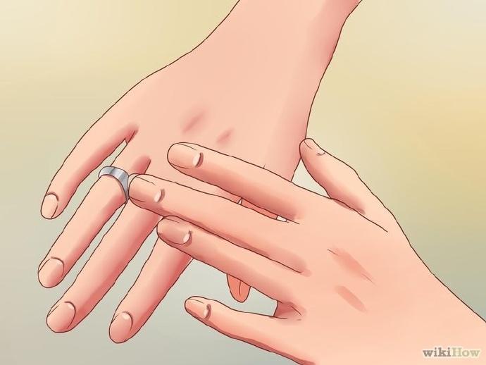 用凡士林拔出卡住的戒指