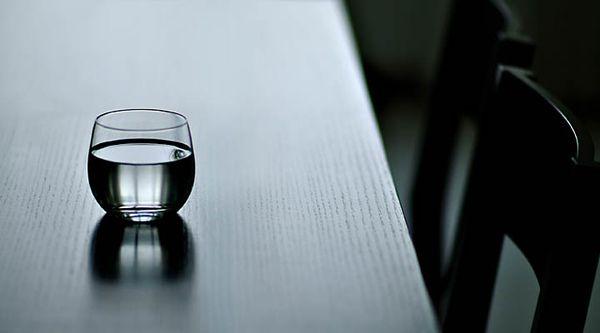 我们都是半杯水