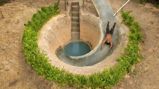 国外小哥60天打造地下豪华泳池宫殿1