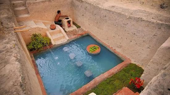 国外小哥60天打造地下豪华泳池宫殿3